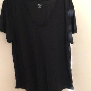 🎒 Ana black tee shirt